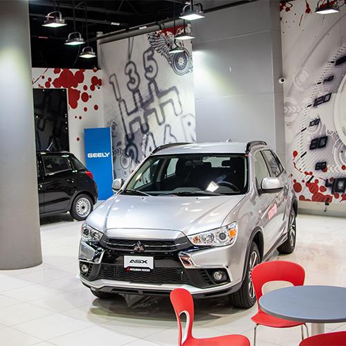 Auto en agencia de carros - Contacto - Veinsa Motors